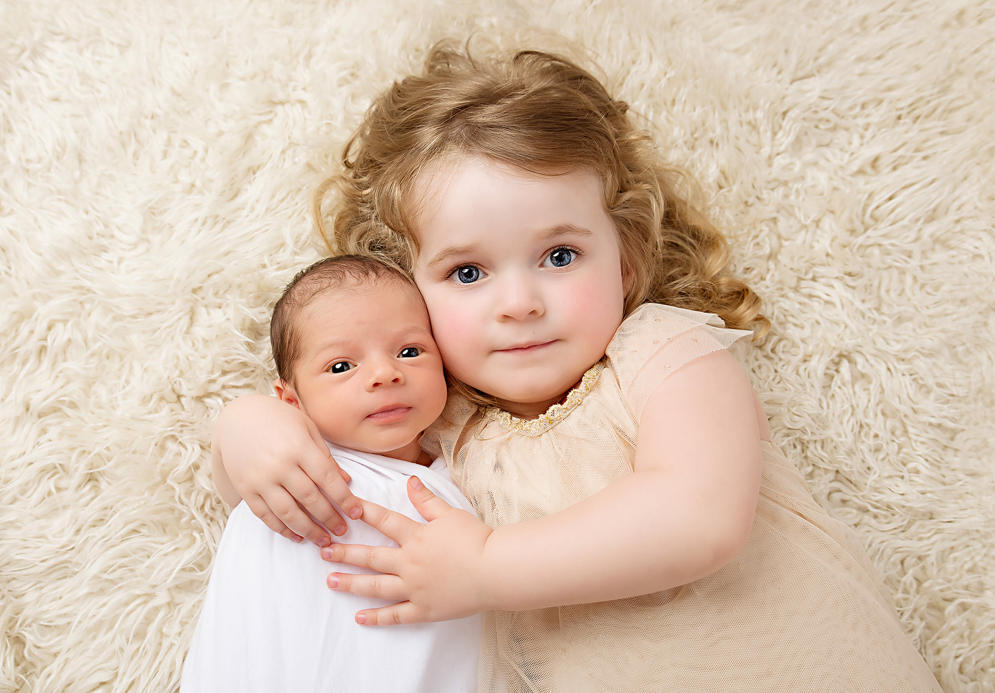 Newborn photographer in and around Barnsley, siblings