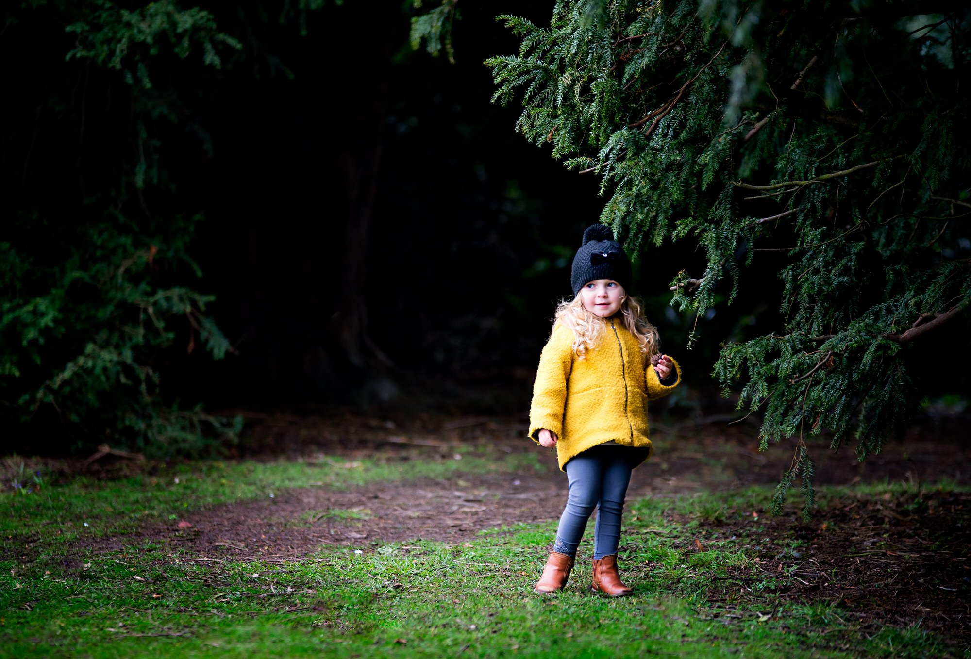 children outdoor photography session, Barnsley