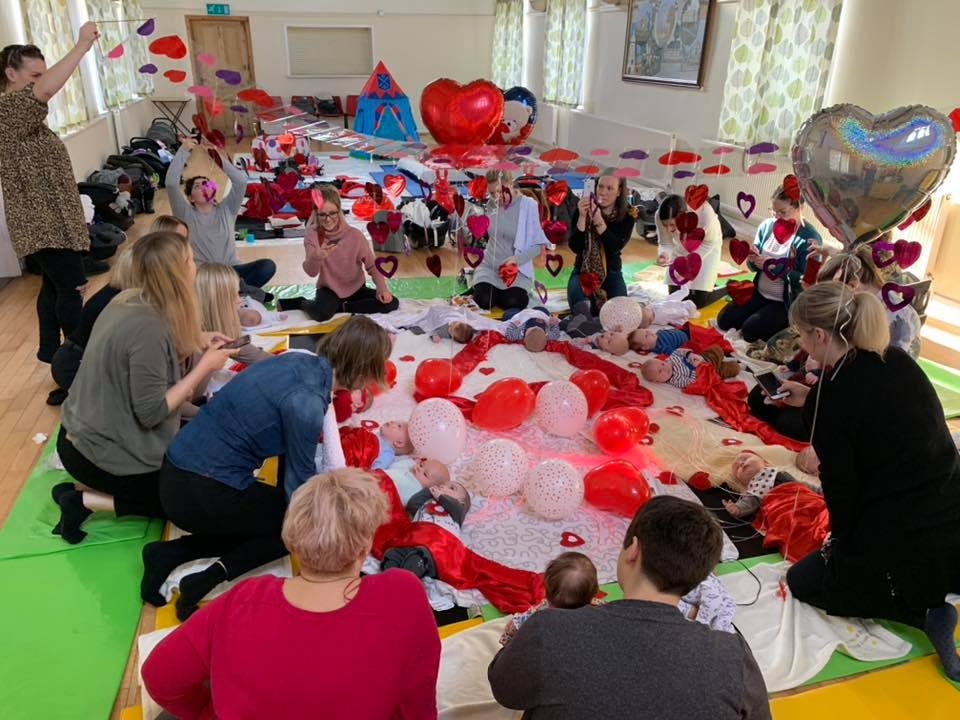 play groups and cafes for babies and toddlers around Barnsley, Baby sensory, valentines theme