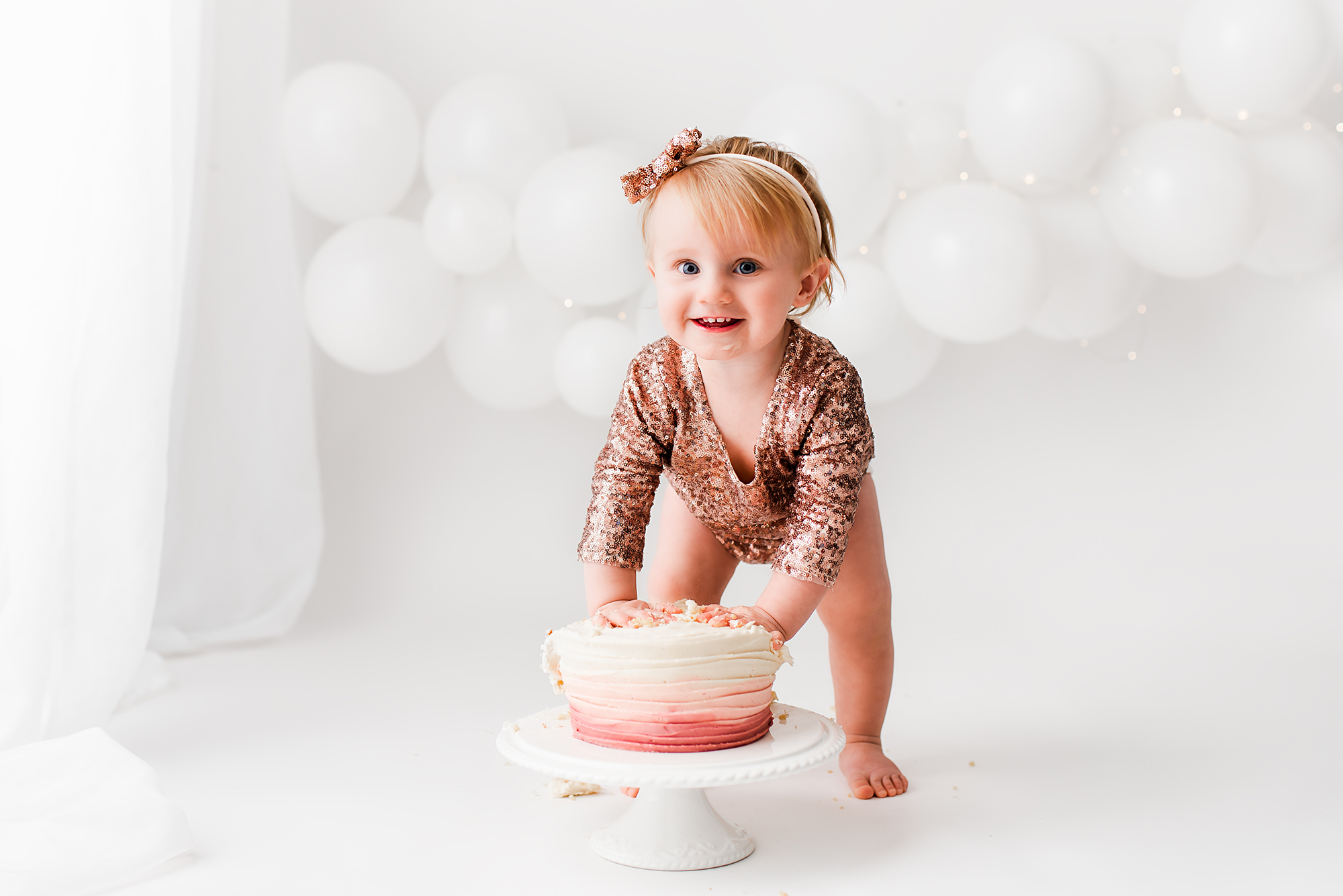 first birthday photo shoot, fun cake session