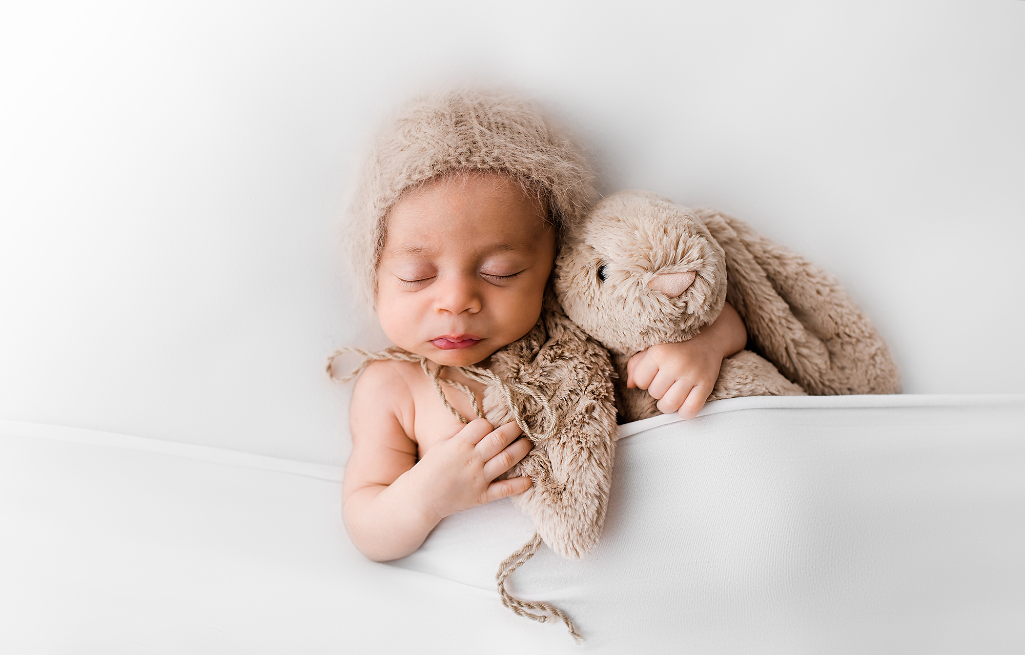 newborn photographer Sheffield, all white studio