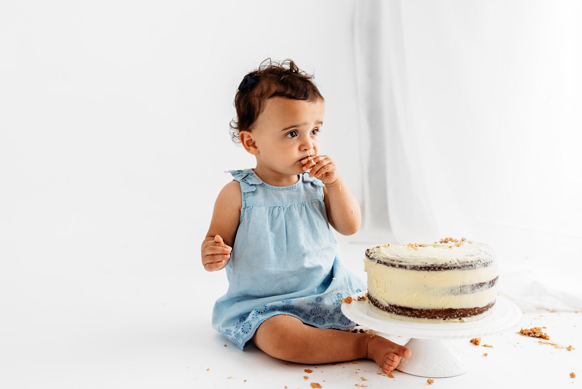 Cake Smash Photography Sheffield, cora