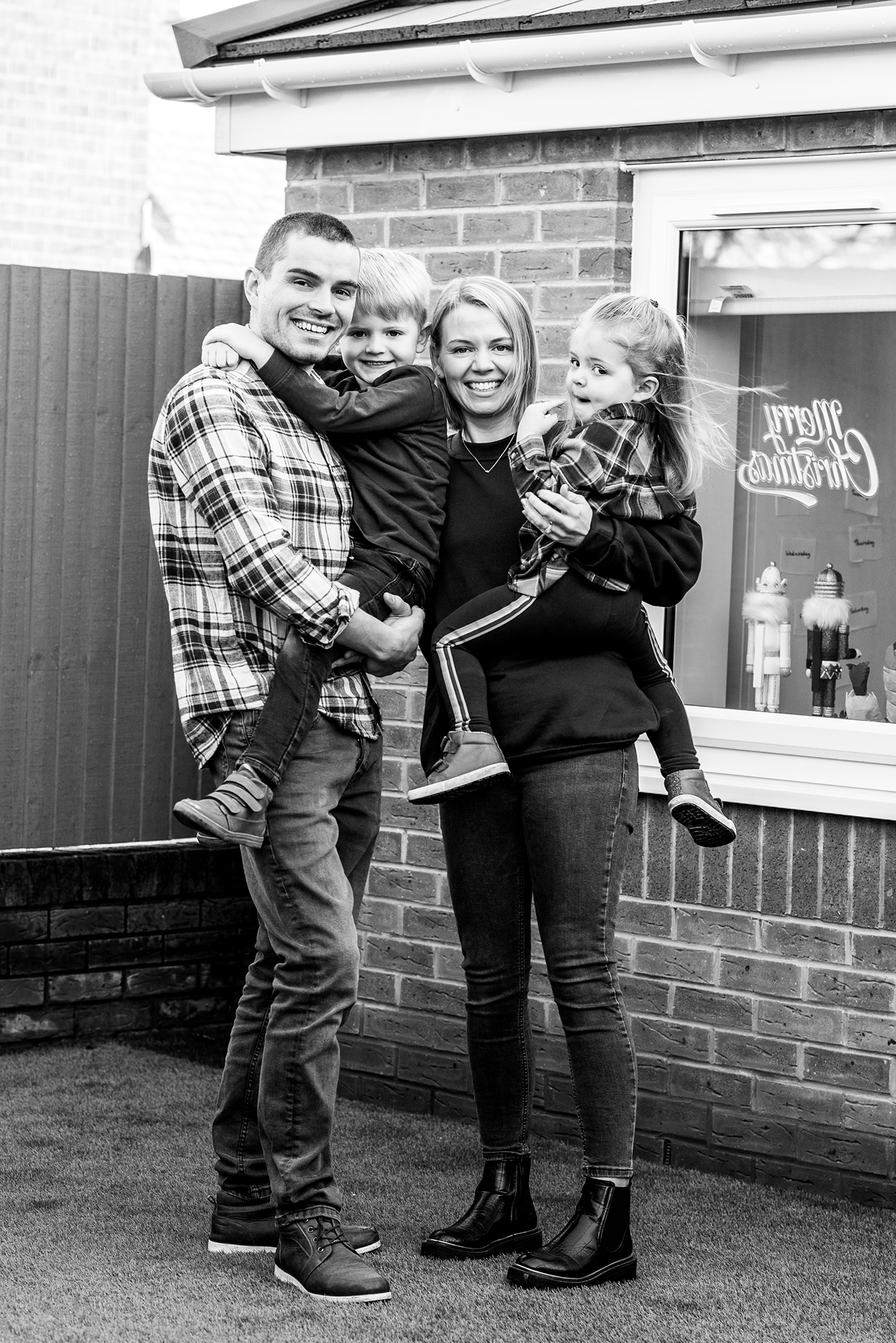 Christmas door step portraits for families