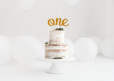 cake smash photographer Barnsley - gorgeous naked cake